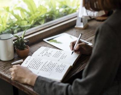 Waarom je een dagboek moet bijhouden (en vervolgens weer moet weggooien)