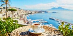 50+ vrouw boekt online een vakantie in 68 stappen