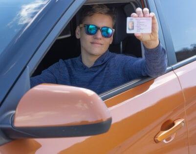 Zoon haalt rijbewijs